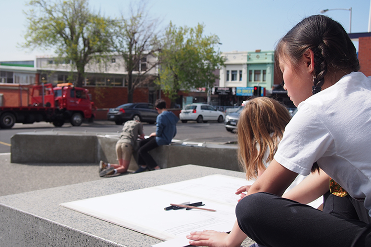 children drawing in Moonah